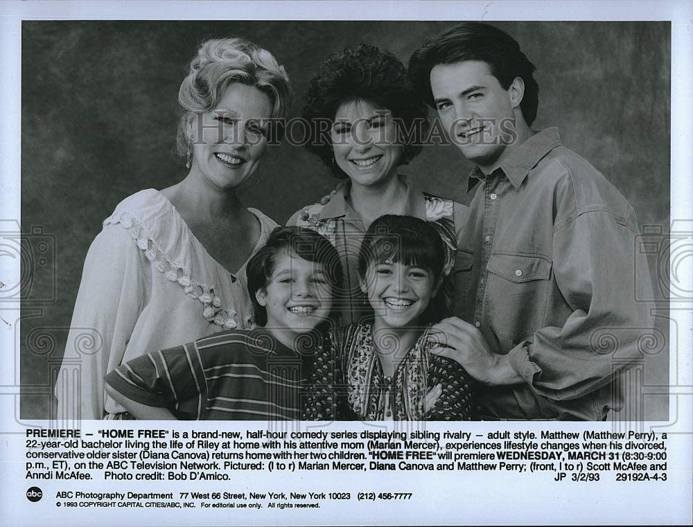 Amazon Com Historic Images 1993 Press Photo Matthew Perry Marian Mercer Diana Canova In Home Free Photographs We will continue to update details on diana canova's family. photo matthew perry marian mercer