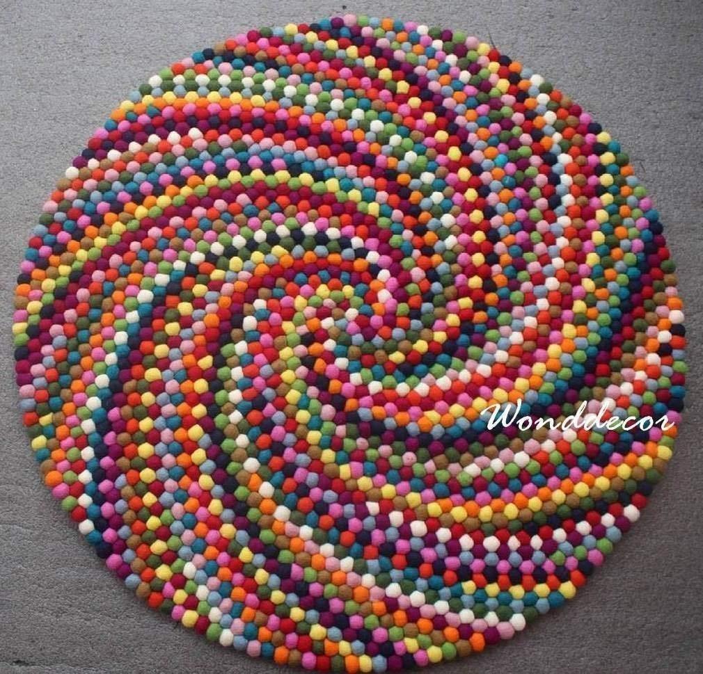 Pom Pom Rug. 100/% Handmade natural colours Wool felted balls Rug//Mat