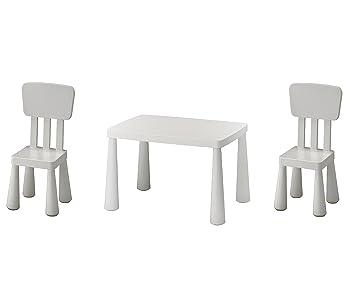 chaise ikea a vendre en plastique blanche à 30 euros