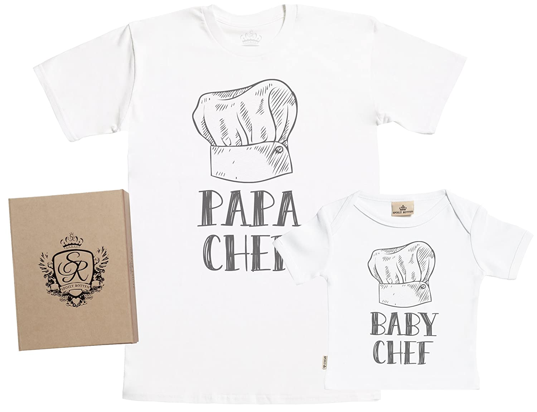 Spoilt Rotten SR Papa Chef /& Baby Chef Set zur Geburt Vater T-Shirt und Baby T-Shirt in Geschenkbox Vater Baby Geschenkset in Geschenkbox