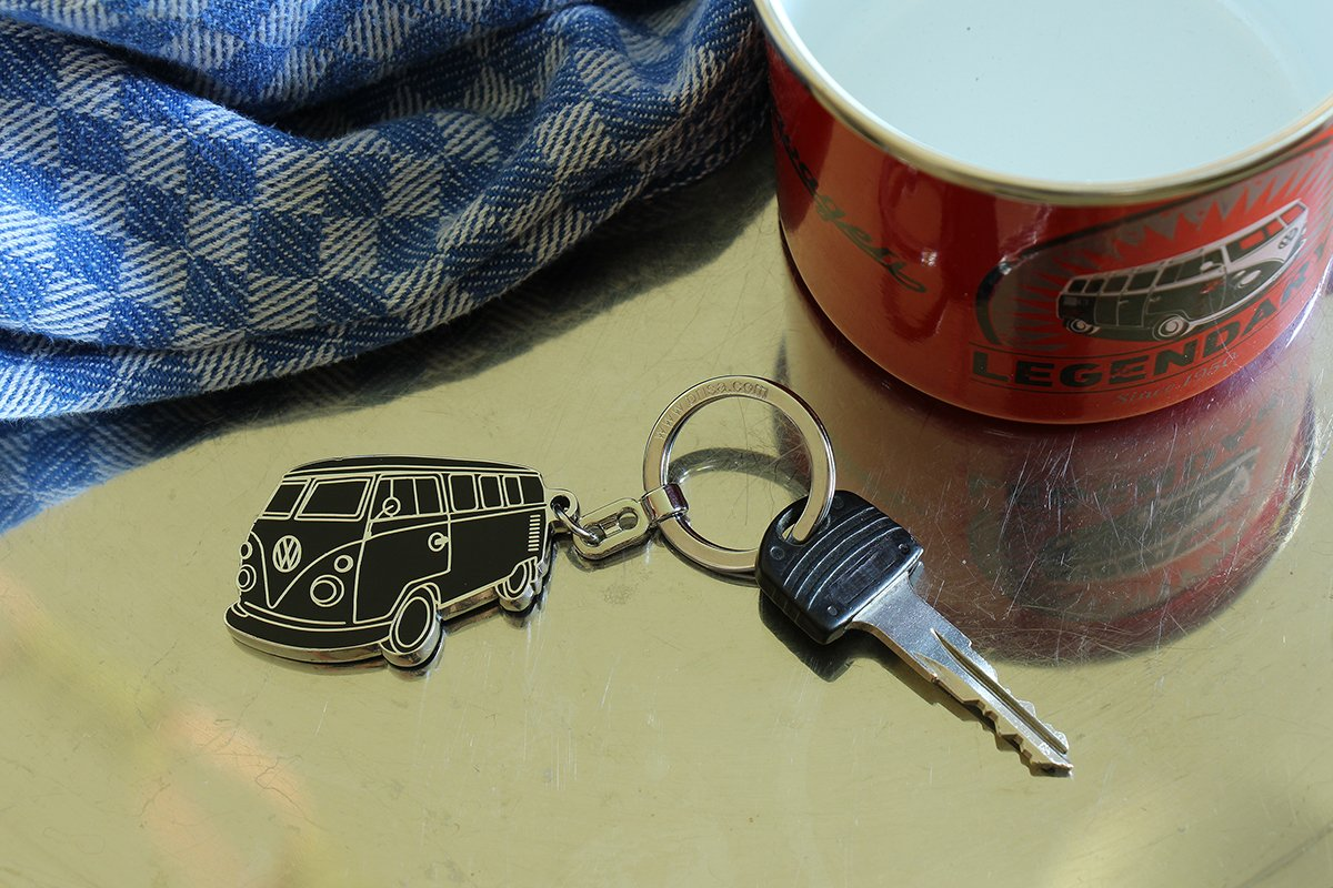 BRISA VW Collection VW T1 Bus Enamel Key Ring Black