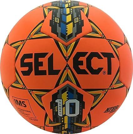 Amazon Com Select Numero 10 Soccer Ball Sports Outdoors