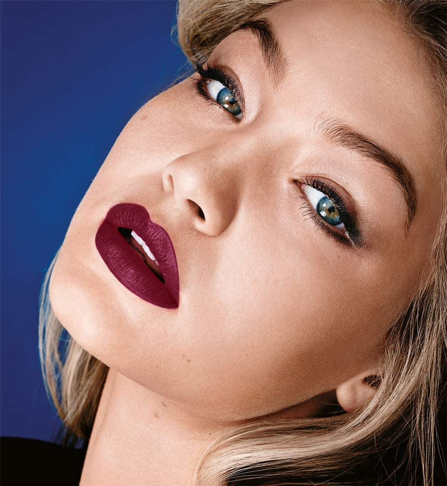 Maybelline New York Color Sensational Barra de Labios Hidratante, Tono 975 Divine Wine