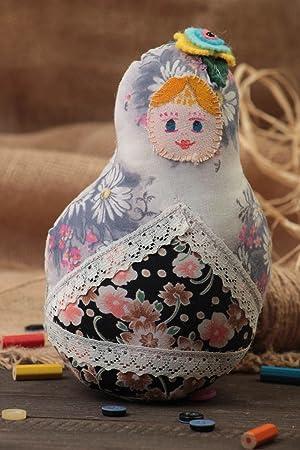 Juguete de peluche de algodon y fieltro bonito original artesanal muneca rusa