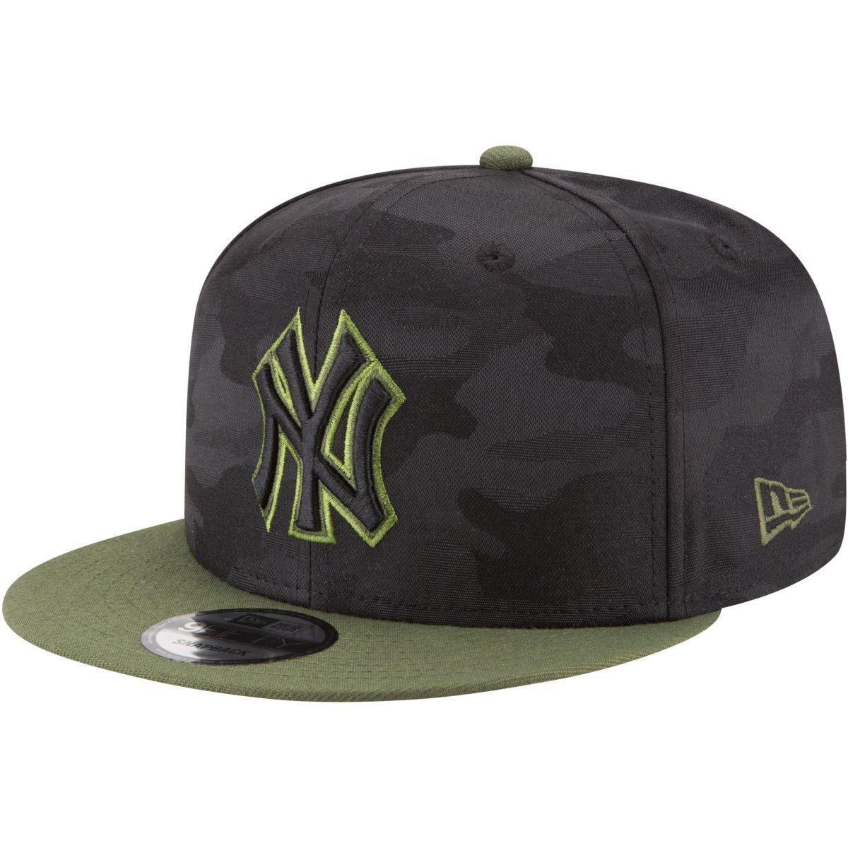 Amazon.com  New Era New York Yankees Memorial Day Snapback Cap 9fifty 950  OSFM Basecap Limited Special Edition  Clothing e8135251298