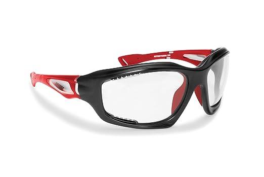 20 opinioni per Occhiali sportivi con lente fotocromatica prodotti in leggerissimo TPX per