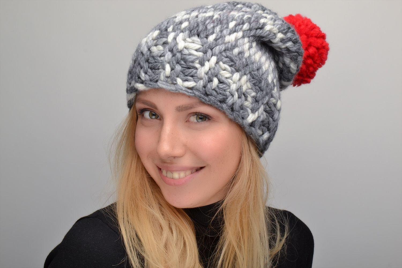 Women's Crochet Hat With Pompon