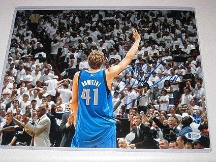 best service 54b2a 61c5e Dirk Nowitzki Dallas Mavericks Autographed Signed Autograph ...