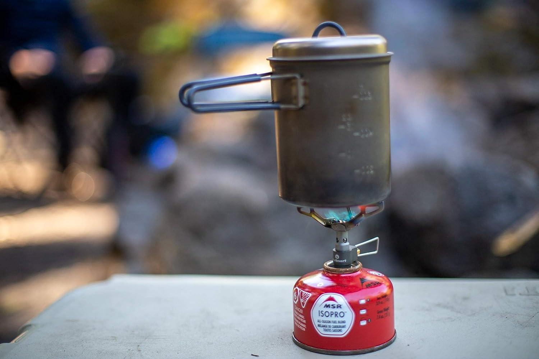 OutSmart - Hornillo de gas para acampada de titanio, ultraligero y portátil, el utensilio de cocina perfecto para 1 o 2 campistas