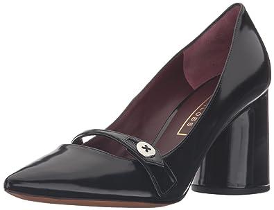 e821d1dd9d5a Amazon.com  Marc Jacobs Women s Florence Button Dress Pump  Shoes