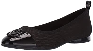 dddc8680177 Taryn Rose Women s Paige Ballet Flat Black 4 M Medium US