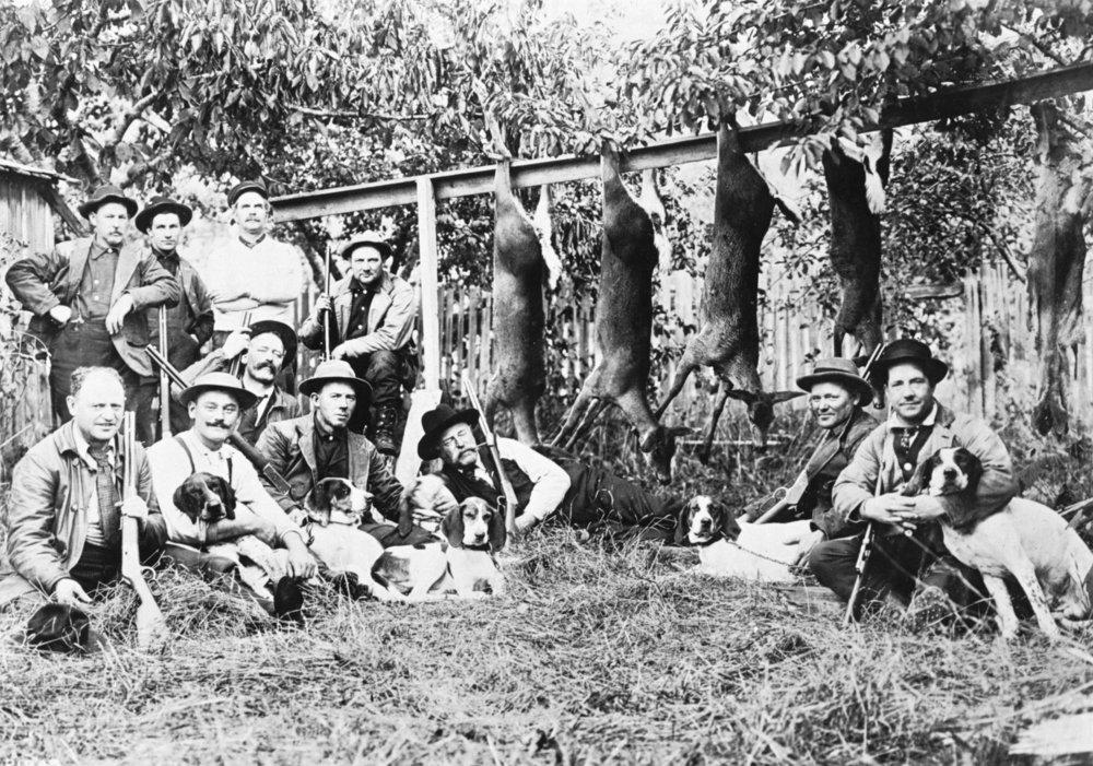 Deer hunters with their犬atフードCanal写真 36 x 54 Giclee Print LANT-1432-36x54 B01MG3N57D  36 x 54 Giclee Print