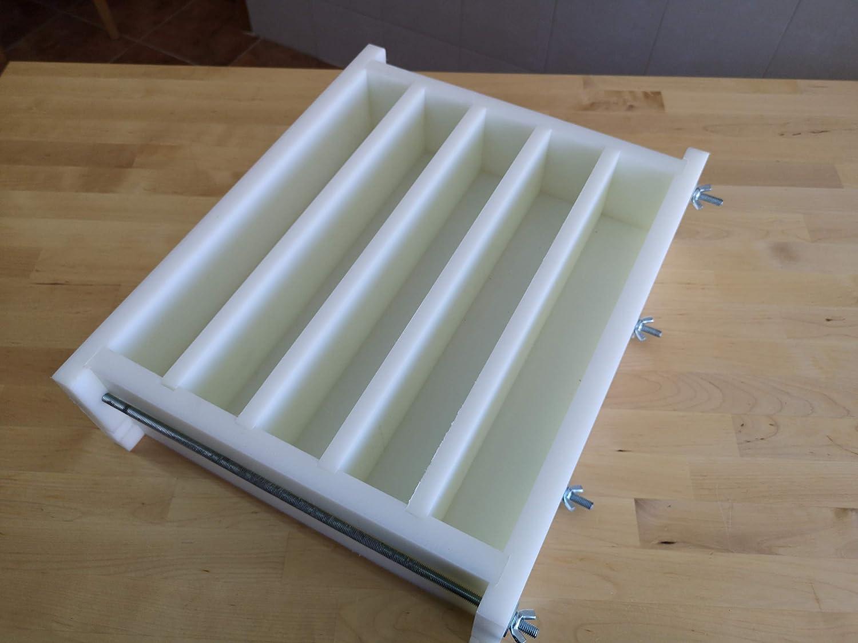 jeder Stab kann in 15 Seifen zugeschnitten werden Biolousa Profi-Seifenform aus HDPE 500 starr 5,5 cm x 8,2 cm x 2,5 cm 39 cm x 5,5 cm x 8,2 cm 100 g nach der Cure f/ür 5 Stangen