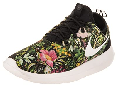 the latest bd44b 8edaf Nike Women s WMNS Roshe Two Print, Black Summit White-Prism Pink, 7.5