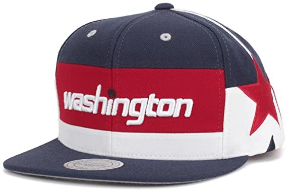Amazon.com   Mitchell   Ness Washington Wizards Short Hook Snapback ... 1c042dd8ac0