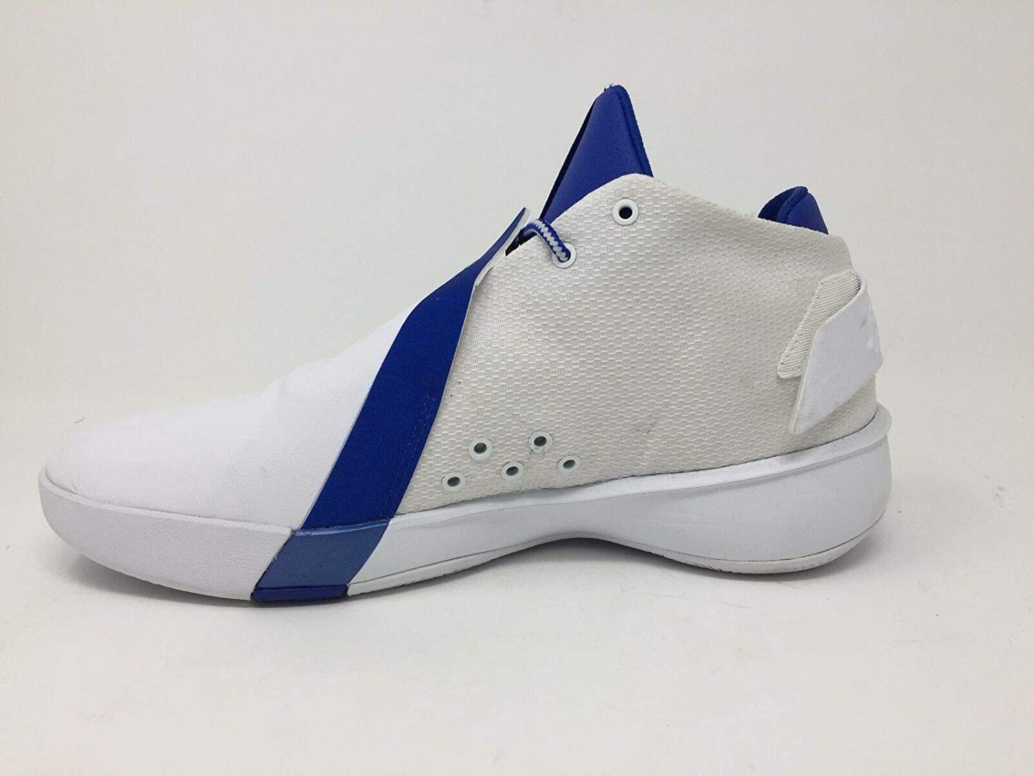 7472b89c89bb Amazon.com  NWOB Nike Jordan Ultra Fly 3 White Blue AR0045-141 SZ 9 (1R13)  Sports  Collectibles