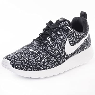 ca4b6c55407 NIKE Women s WMNS Roshe One Print Prem Trainers Off-White Size  3 ...