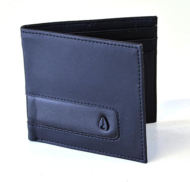 Nixon Showdown Rubber BiFold Wallet Coin Pocket Card Pocket Embossed Logo