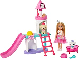 Barbie Princess Adventure Chelsea Pet Castle Playset, with Blonde Chelsea Doll (6-inch), 4 Pets and Accessories, Gift for 3 to 7 Year Olds