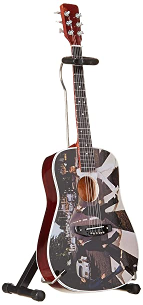 Axe Heaven: Beatles Abbey Road Fab Four Tribute Miniature Guitar Model. para Guitarra Electrica