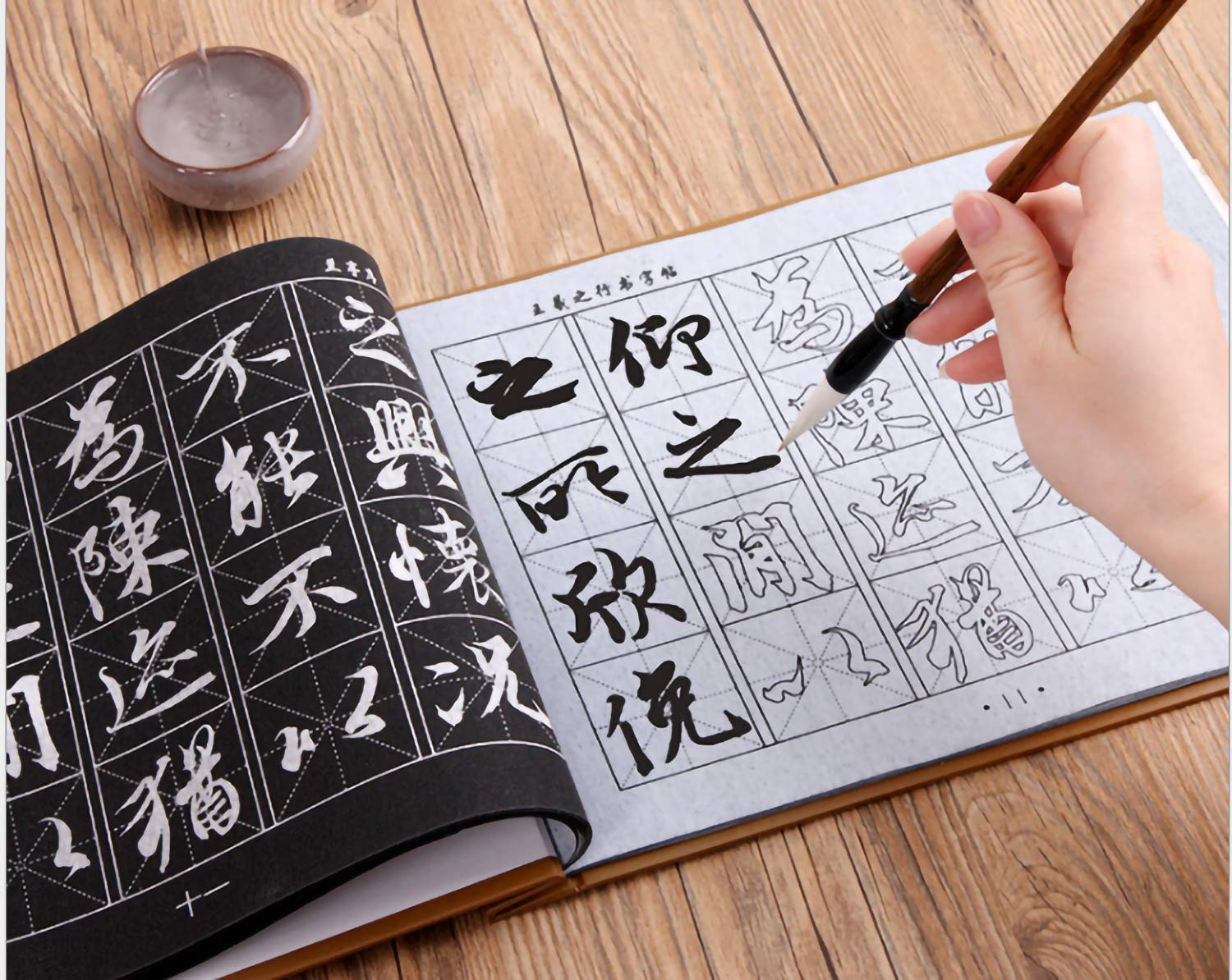 Rewritable Water Writing Chinese Calligraphy Cloth Fabric with Brush Rack and Water Dish Quick Drying Fabric Cloth Paper for Beginners Practice Set