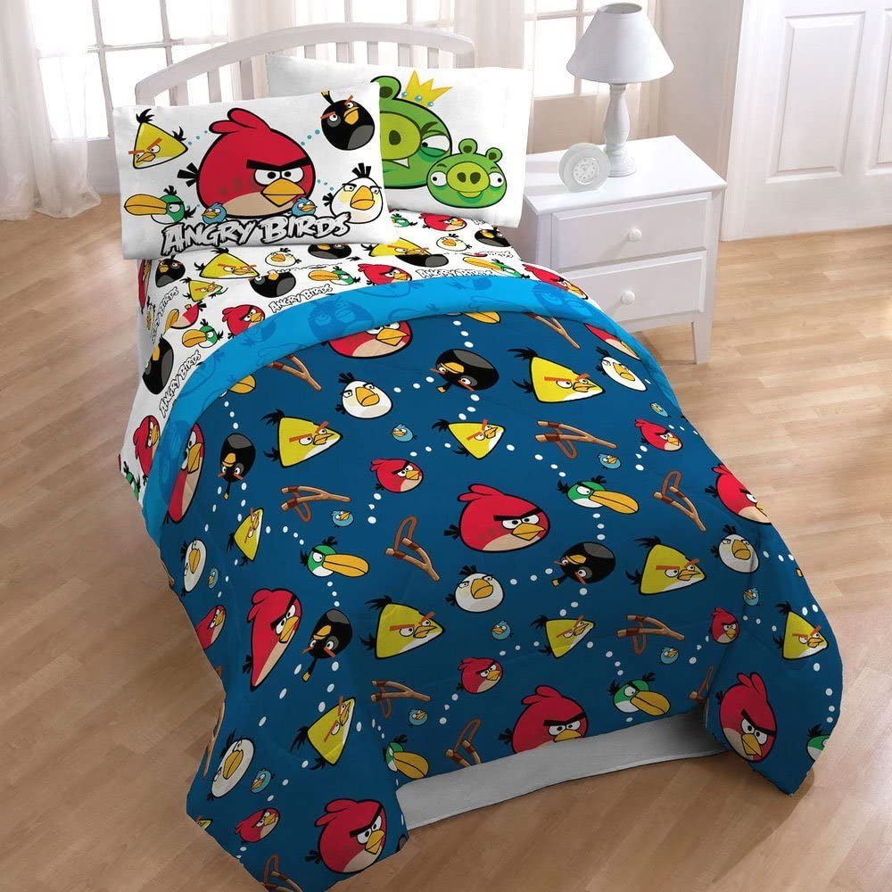 Amazon Com 4pc Angry Birds Madness Bedding Set Video Game Application Bed In Bag Twin Bed Home Kitchen