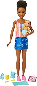 Barbie Skipper Babysitters Inc. Doll & Accessories Set with 9-in / 22.86-cm Brunette Doll, Baby Doll & 4 Storytelling Pieces for 3 to 7 Year Olds