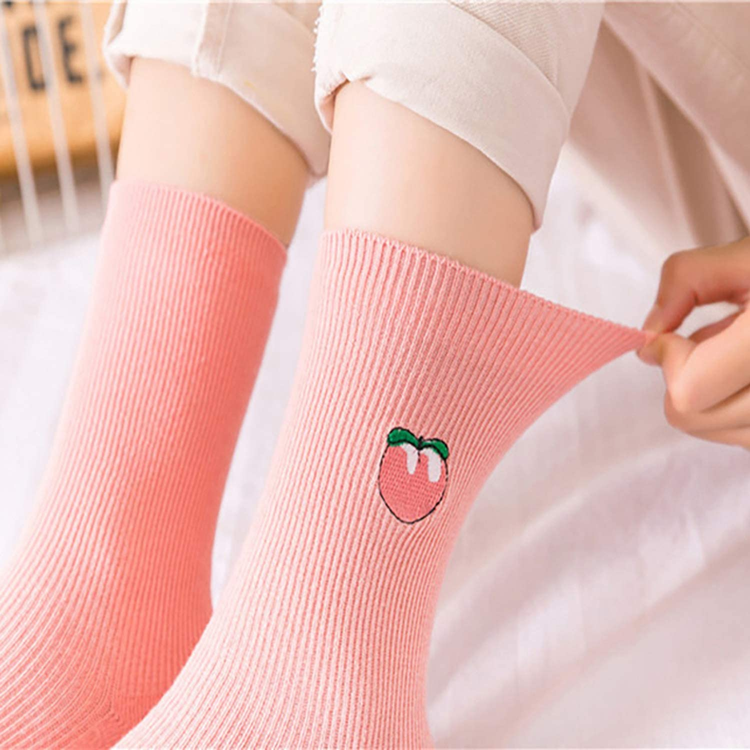 1//2 Pairs Cute Cartoon Fruit Print Avocado Banana Cherry Peach Girls Kawaii Socks Korean Harajuku Embroidery Heap Funny Socks