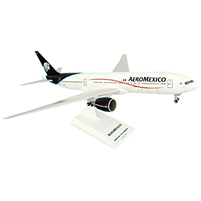 Daron Skymarks Aeromexico B777-200ER Airplane Model Building Kit with Gear, 1/200-Scale: Toys & Games