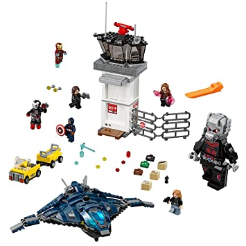 Amazon.com: LEGO Super Heroes Super Hero Airport Battle 76051 ...