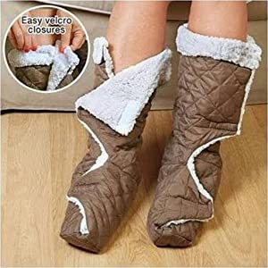 IdeaWorks Warm Slippers Brown and White 2 Count