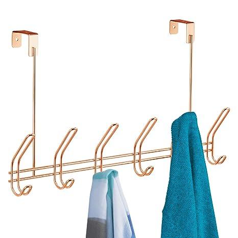 iDesign Colgador de ropa con 6 ganchos dobles, perchero de puerta grande de metal, percha para puerta para colgar chaquetas, sombreros o toallas, ...