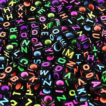 19a375b006bb 500 Piezas Abalorios de Letras Cuentas de Plástico Acrílico Abalorios  Negros Perlas de Alfabeto Para Joyería