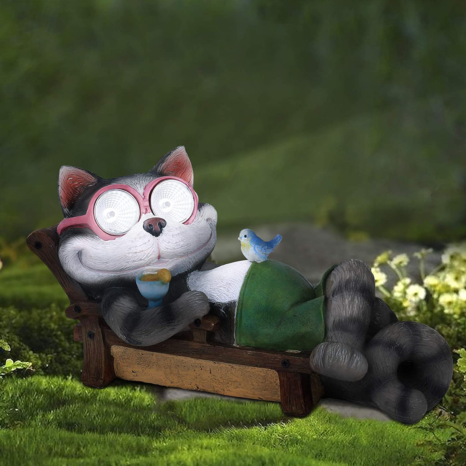 Garden Statue Cat Figurine - Lounging Cat on Holiday with Solar LED Lights for Outdoor Indoor Decoration, Resin Kitten Figurine for Patio Yard Lawn, Ornament Gift