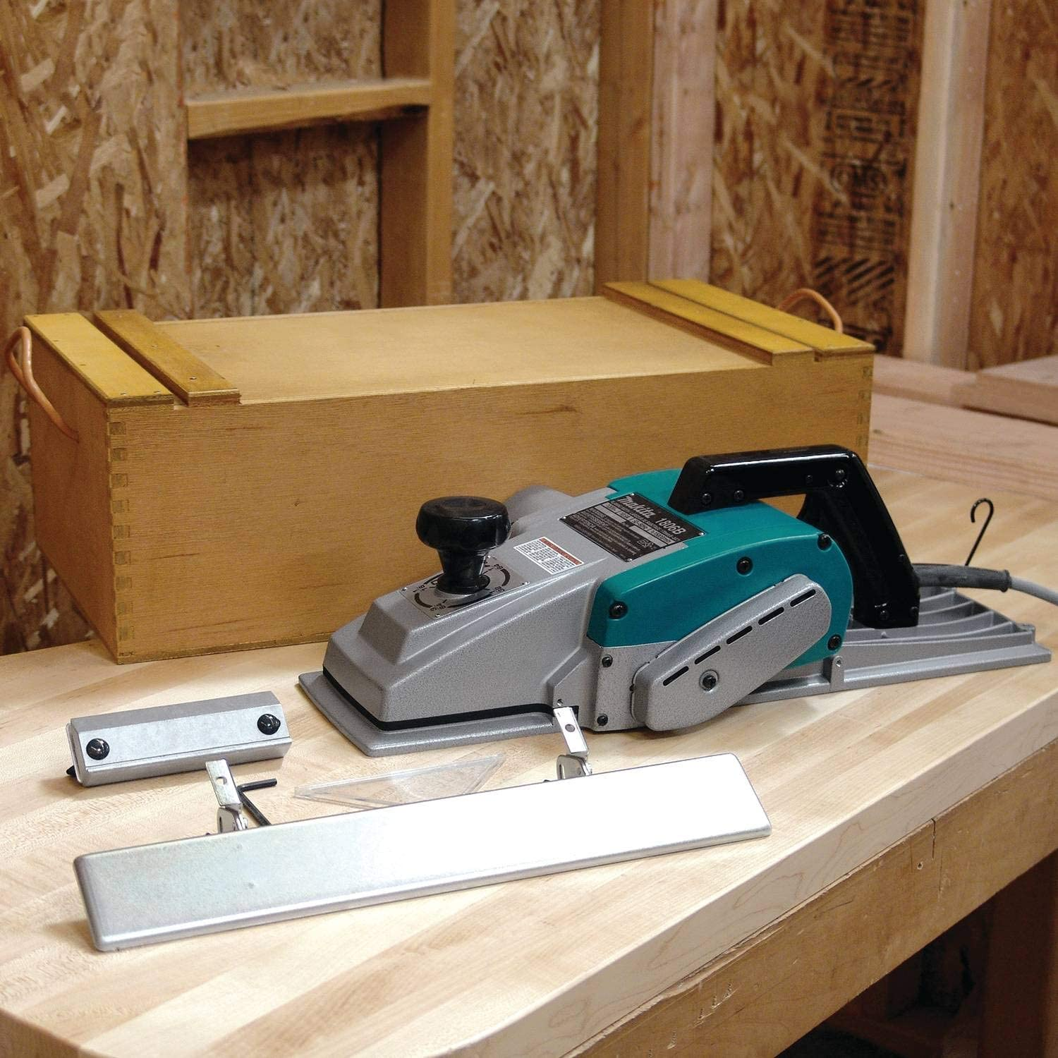 Makita 1806B Electric Hand Planers product image 3