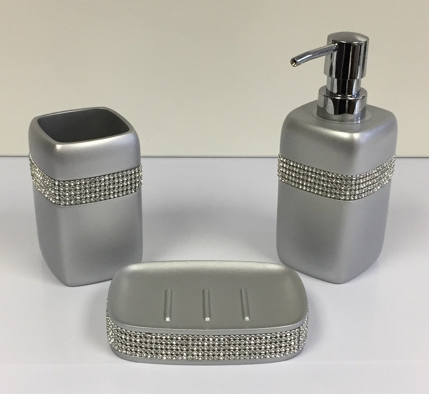 Set Of 3 Silver Diamante Bathroom Set - Soap Dish - Toothbrush Holder - Soap Dispenser MissDishh