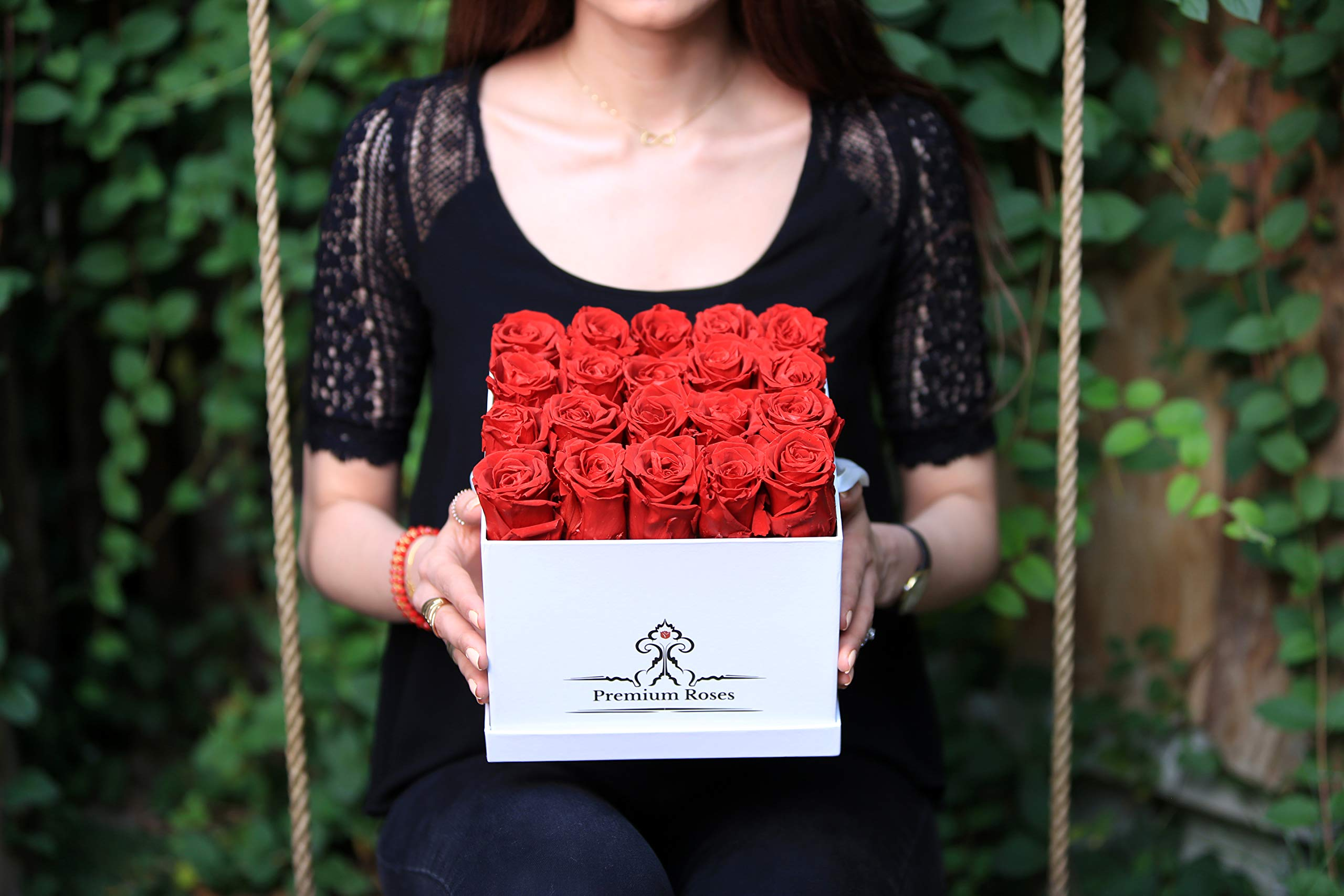Premium Roses | Model Glossy| Real Roses That Last 365 Days | Fresh Flowers| Special Occasion, Holiday, Birthday Gift (Glossy White Box, Medium) by Premium Roses (Image #4)