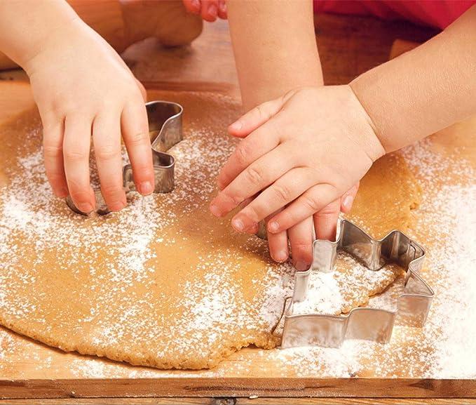 Set de 8 cortadores de galletas navide/ñas para ni/ños Estrella Arbol Angel Campana Media y Mas Formas de KAISHANE