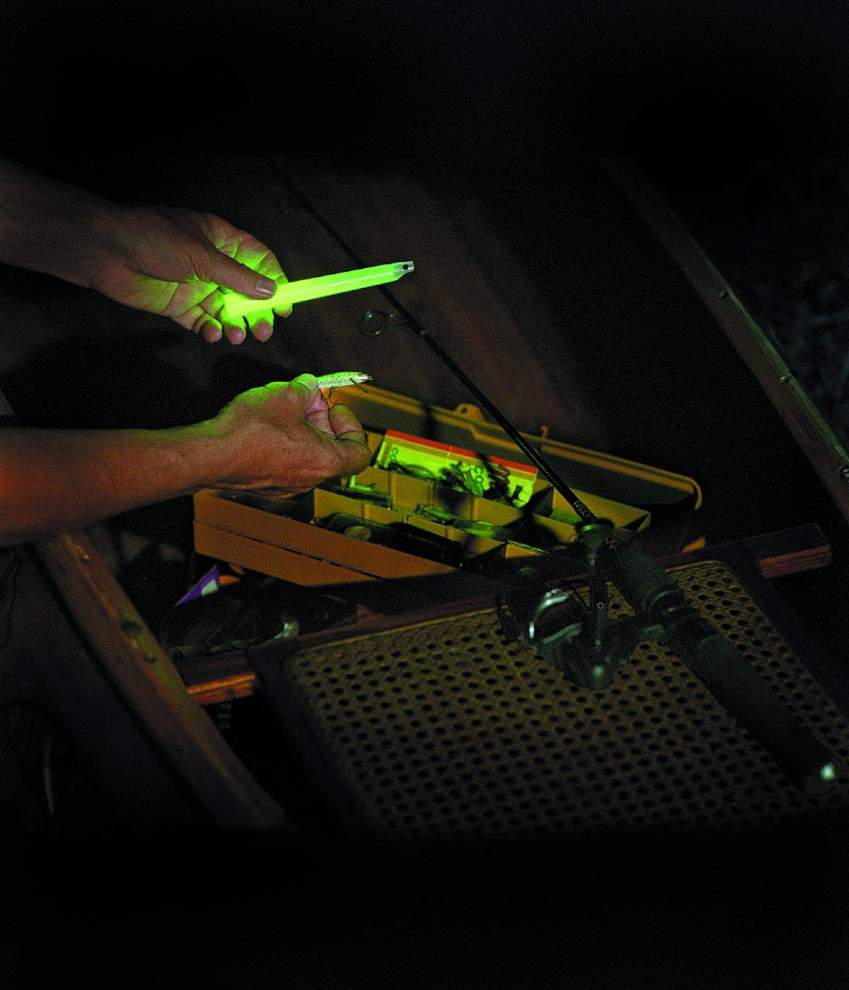 Cyalume Bastoncini Luminosi Verde SnapLight Glow Sticks 15 cm 6 Inch Light Stick ultra-luminoso con una durata da 12 Ore Scatola da 10 pezzi