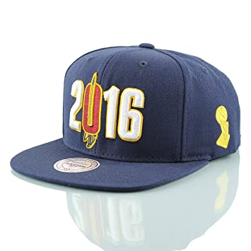 2eeb114b161 Mitchell   Ness Cleveland Cavaliers 2016 NBA Champs Snapback Cap Navy   Amazon.co.uk  Sports   Outdoors