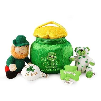 Amazoncom Babys 1st Saint Patricks Day Toy Pot O Gold Playset