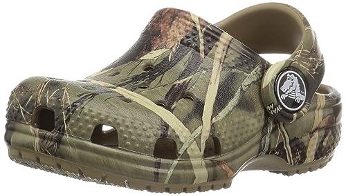 960f1e5dfed4 crocs Kids  Classic Realtree Clog  Amazon.in  Shoes   Handbags