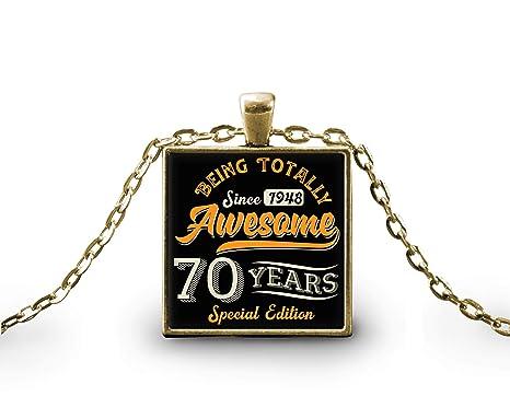 Amazon.com: Transluz - Collar con colgante cuadrado de 70 ...