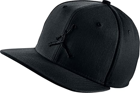Amazon.com   JORDAN JUMPMAN SNAPBACK Black 619360 019   Sports ... 3d3a9611028