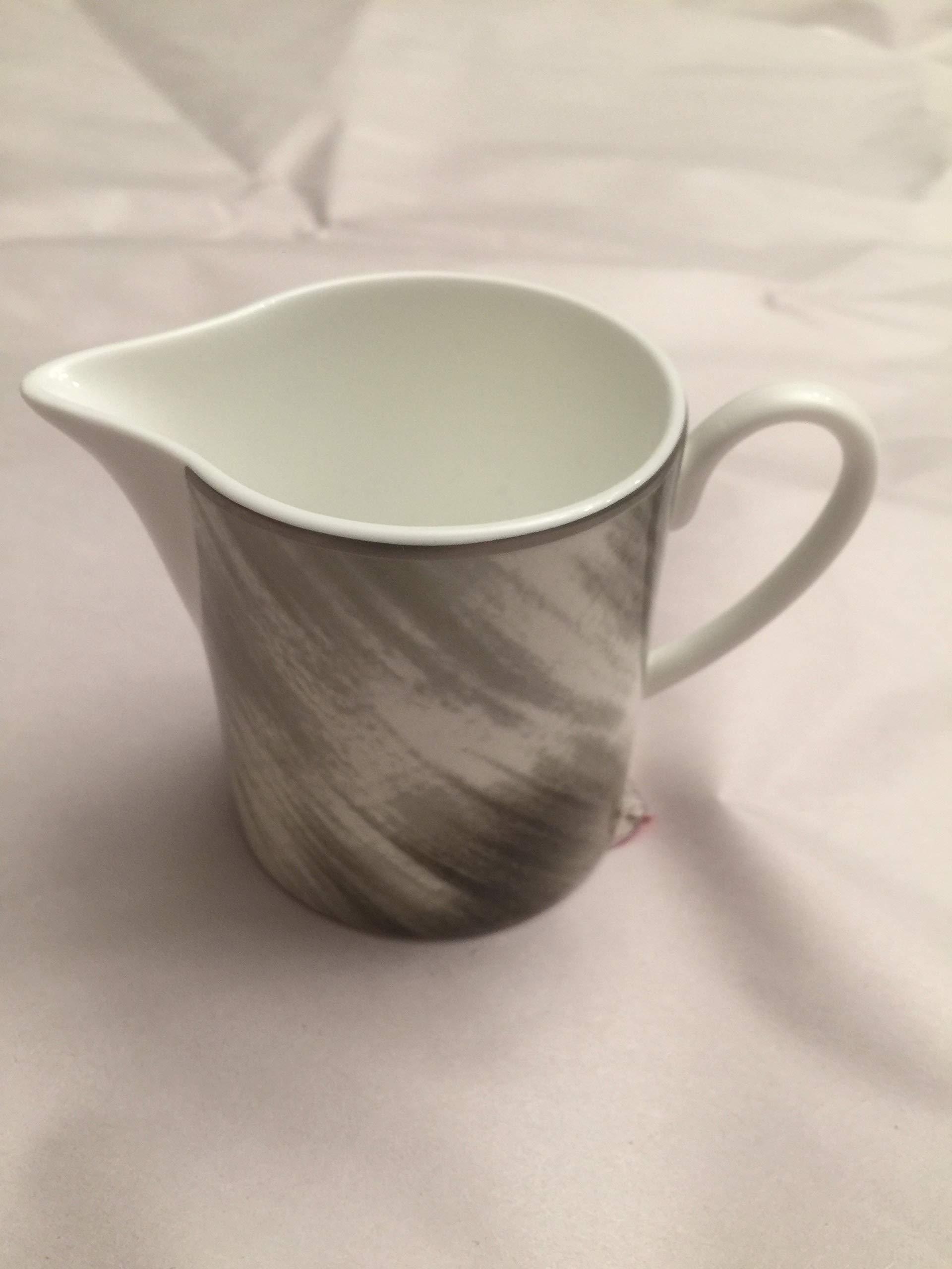Gwyneth Horn Creamer by Lauren (Image #1)