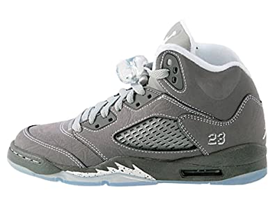 online store b0931 8400e Amazon.com   NIKE AIR JORDAN 5 RETRO GS 440888-005 (4) (Light Graphite -  White - Wolf Grey) 4 M US   Fashion Sneakers