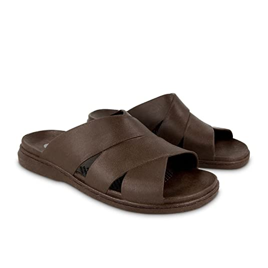 The Okabashi Men's Milan Sandal travel product recommended by Mackenzie Attridge on Lifney.