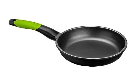 BRA Prior - Set de 3 sartenes, aluminio fundido antiadherente, 18, 22 y 26 cm, incluye dos salvamanteles Safe verdes, aptas para todo tipo de cocinas ...