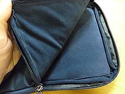 「保護」という意味において、完璧なタブレット入れです。 タブレットと財布とスマホを入れて公園までお散歩。 その公園で電子書籍読書 なんていうスローライフを夢み