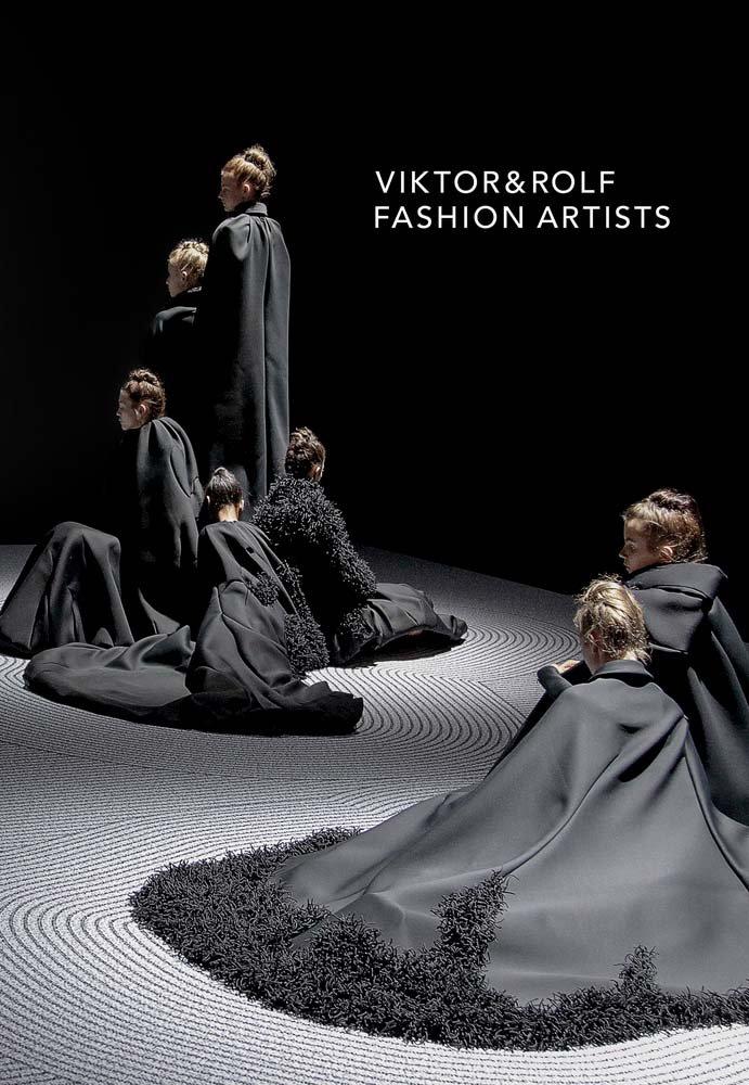 Viktor Rolf Fashion Artists Loriot Thierry Maxime 9781925432220 Amazon Com Books